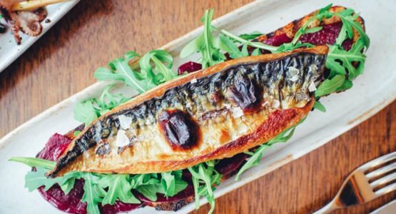 Delicious Black Sesame Hummus and Fragrant Mackerel Recipe